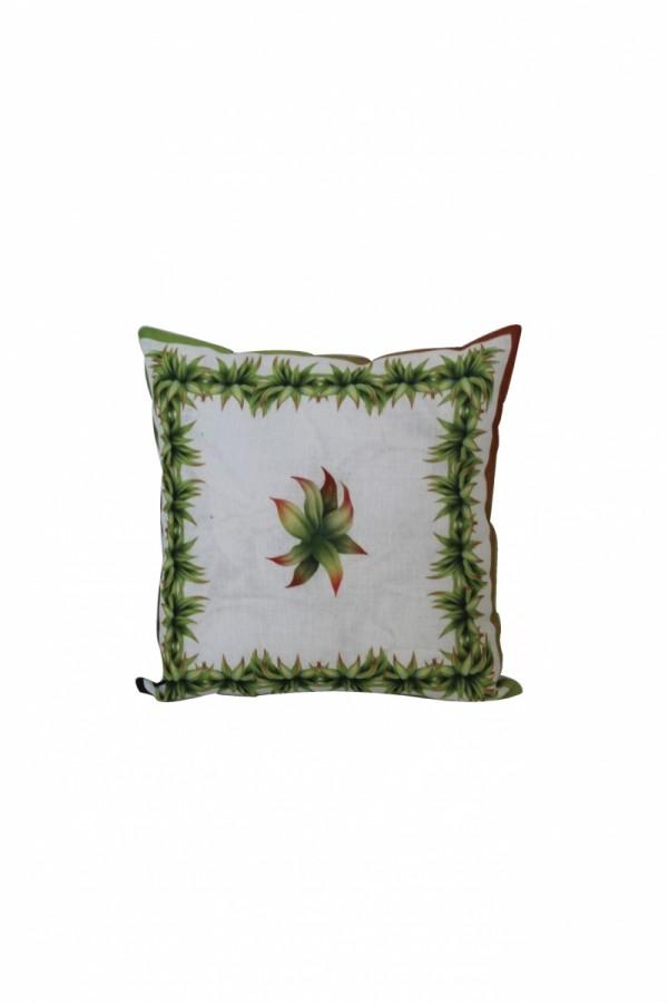 Yeşil Yapraklı Motifli Yastık
