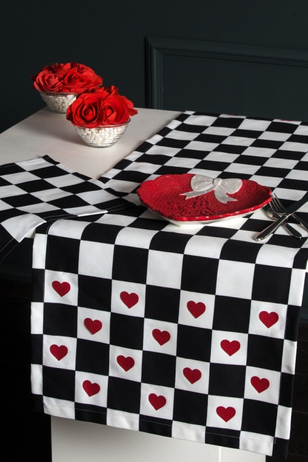 Checkers Pattern Runner Set