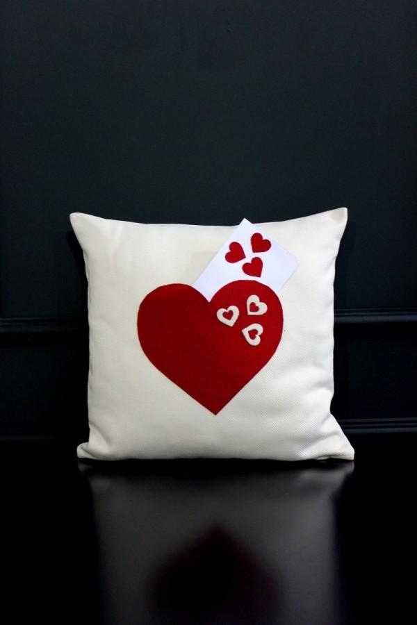 Cepli Aşk Yastık