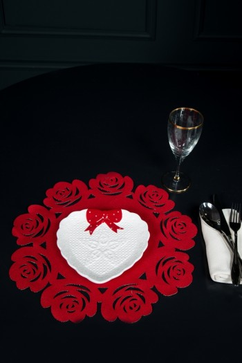 Rose Shaped Red American Service Set