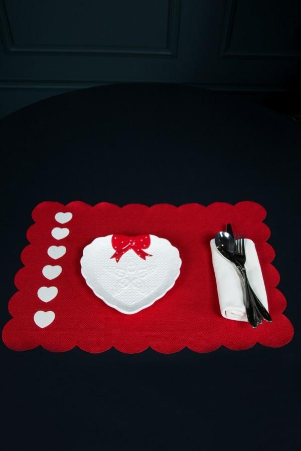 Ecru Heart Patterned Red American Service Set