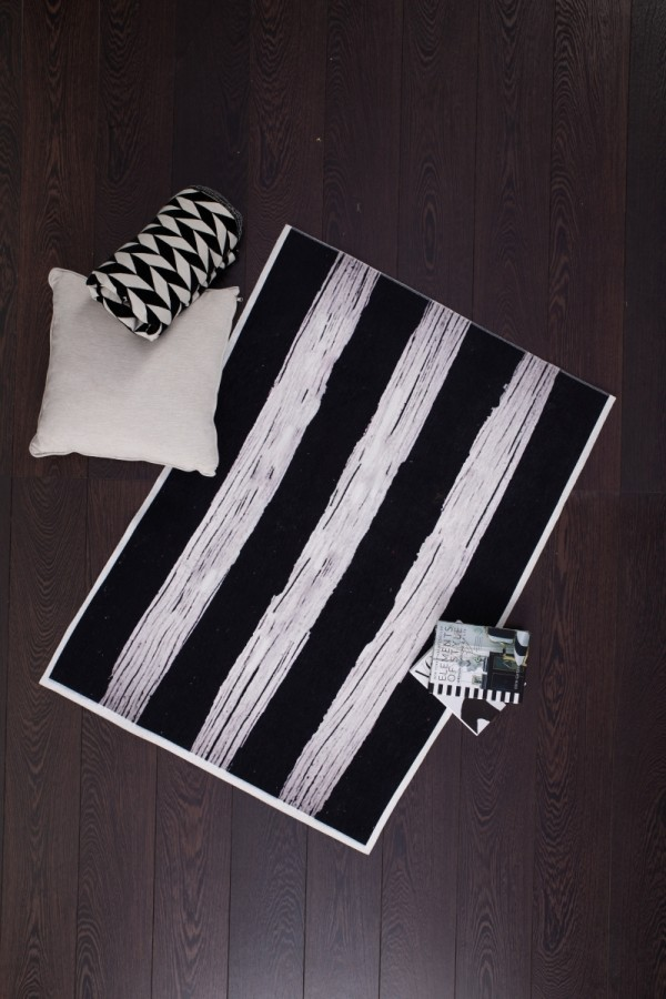 Siyah Beyaz Halı