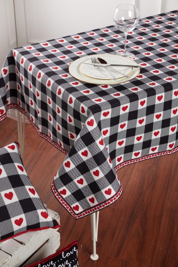 Heart Pattern Black and White Tablecloth 140 x 140