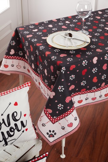 Paw And Heart Pattern Black Tablecloth 135 x 200