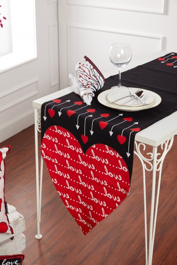 Heart Pattern Black Love Runner