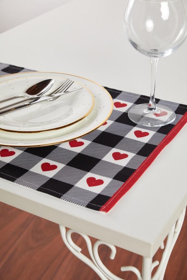 Kalp Desenli Siyah Beyaz Amerikan Servis 2'li Set