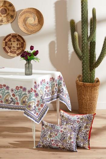 Çiçek Desen Masa Örtüsü